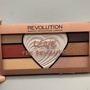 "Makeup Revolution ""Love the Revolution"" Pallet"